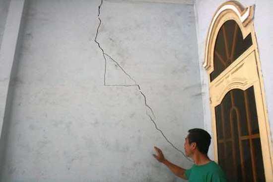 Chống thấm khe nứt tường