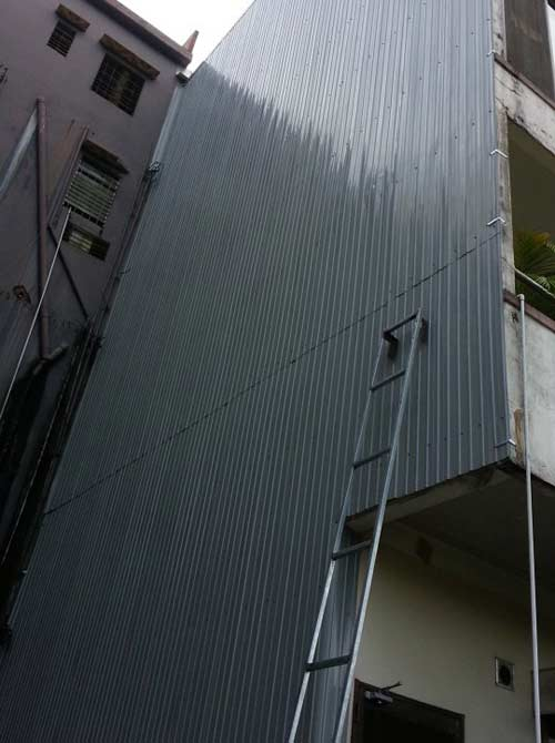 chống thấm tường bằng tôn