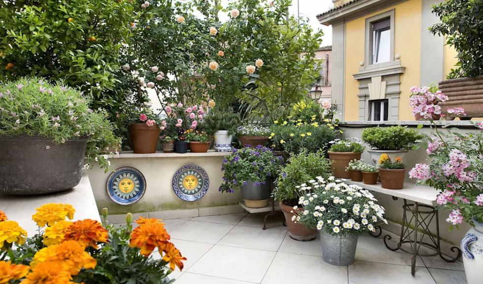Vườn sân thượng tinh tế với phong cách cổ điển