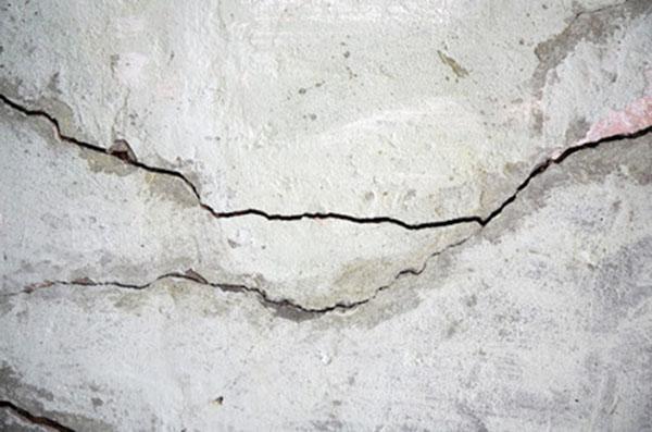 Sàn mái bê tông bị nứt