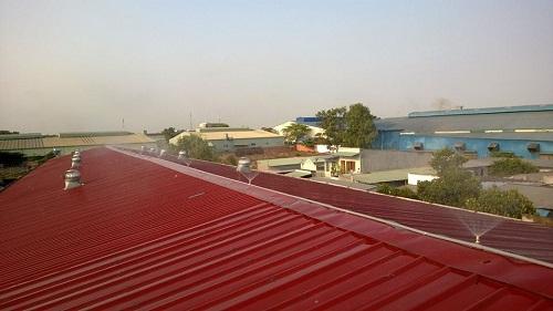 phun nước lên mái tôn