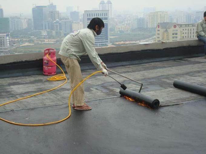 Màng chống thấm khò nóng sân thượng