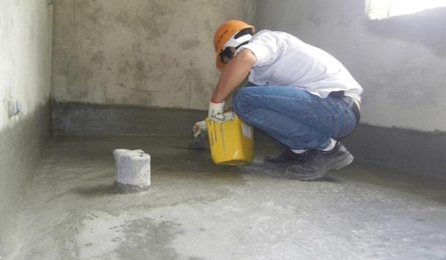 Tiến hành vệ sinh nơi cần chống thấmnhư thế nào?